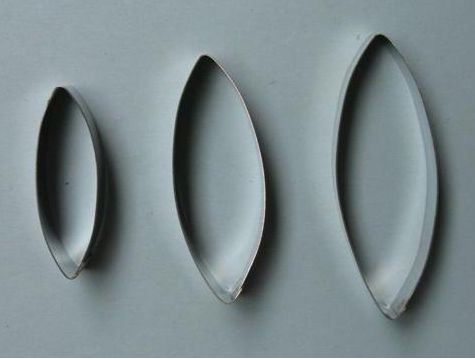 Pod shaped Cutter Set of 3