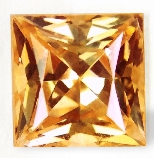 PRINCESS CUT FACETED 4MM
